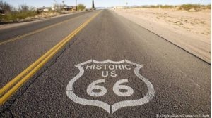 Baseball & Softball Mutter Straßen Historische Route 66 Highway Amerika Rogers Fire Flames Hut