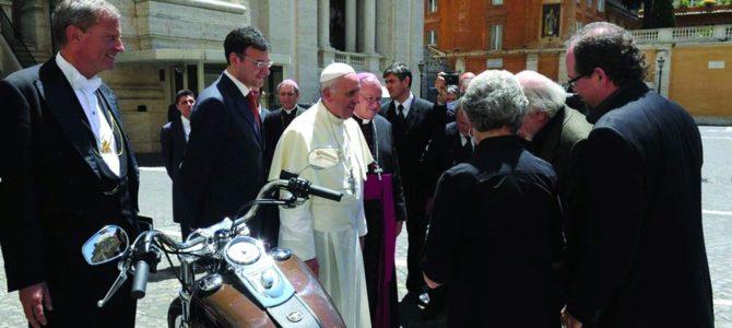 Zlin CZ: Die Geschichte der päpstlichen Harleys