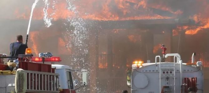 Holbrook: Feuer zerstört Magnuson Hotel